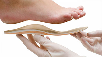 Примерка индивидуальной ортопедической стельки